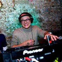 DJ TIPŻ | Social Profile