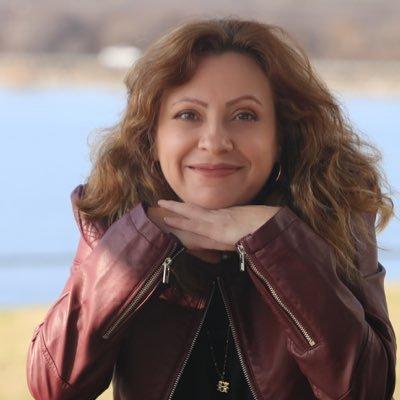 Andrea Pallares Social Profile