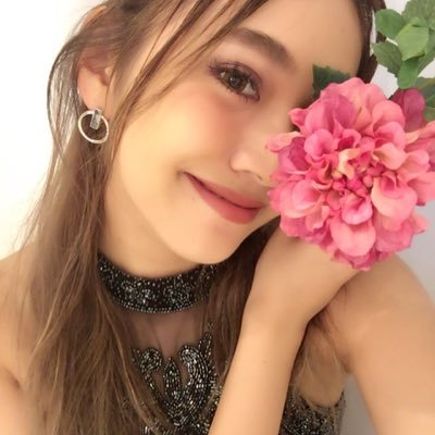 佐々木彩乃 Social Profile