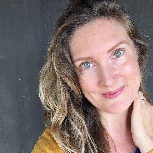 Kelly Brozyna Social Profile