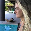 Photo of TiciPinheiro's Twitter profile avatar