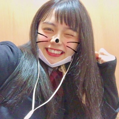 足立佳奈の画像 p1_21