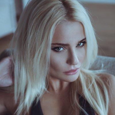 Александра Образцова (@SashaSasha100)