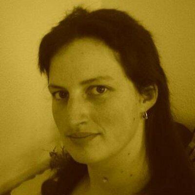 Nicole Reinhold | Social Profile