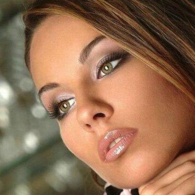fifi rosa (@cFMvbVGsCB1)