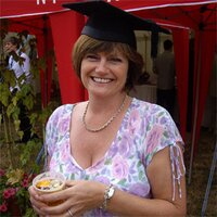 Elaine Cameron | Social Profile