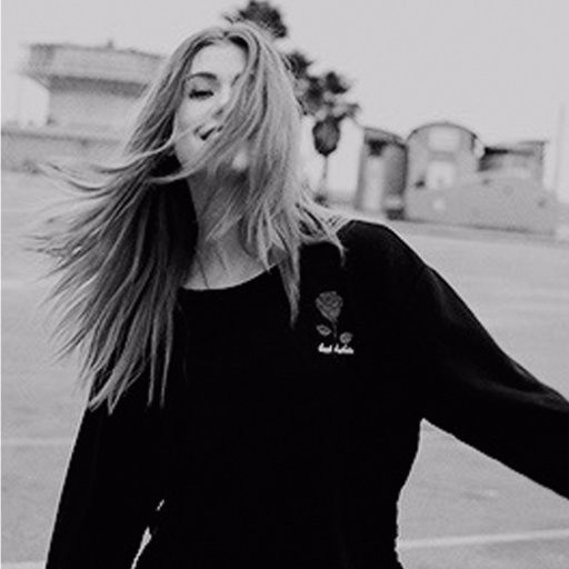 ayşe's Twitter Profile Picture