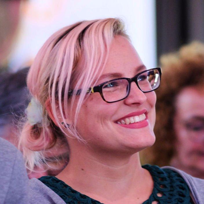 Julia Neudorf's profile image
