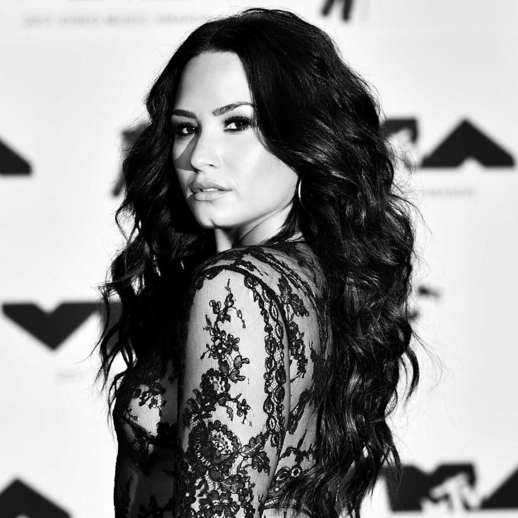 Demi Lovato Star's Twitter Profile Picture