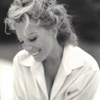 Ilona Kiss | Social Profile