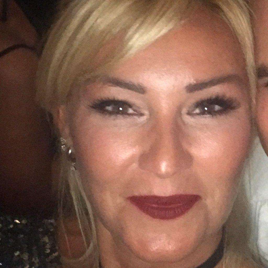 Pınar Altuğ Atacan  Twitter Hesabı Profil Fotoğrafı