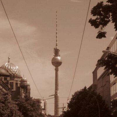 Sweet Home Berlin   Social Profile