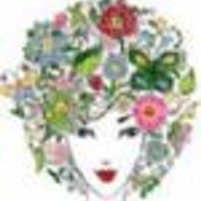Roxy Howe | Social Profile