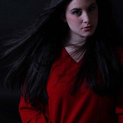 Mariana Marval | Social Profile