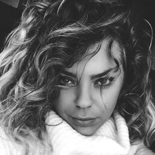 Caroline Costa  Twitter Hesabı Profil Fotoğrafı