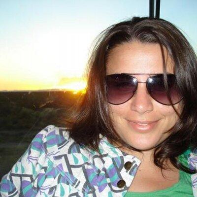 Leticia Palavecino | Social Profile