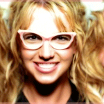 #BritneySpears' Weave Falls Out During A Show & She Doesn't Miss A Beat! Watch! http://t.co/S3BoRNXWoA