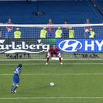 Se Pirlo perdesse esse pênalti, a Inglaterra eliminava a Itália da Euro 2012. Ele bateu assim: http://t.co/KymKmhc55b