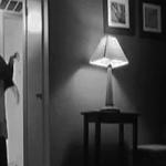 Dia dikejutkan lagi dengan bunyi tapak kaki di luar bilik tidur. Tapi kali ini dia lupa menutup pintu. #CertotCP https://t.co/t6poHdrS11