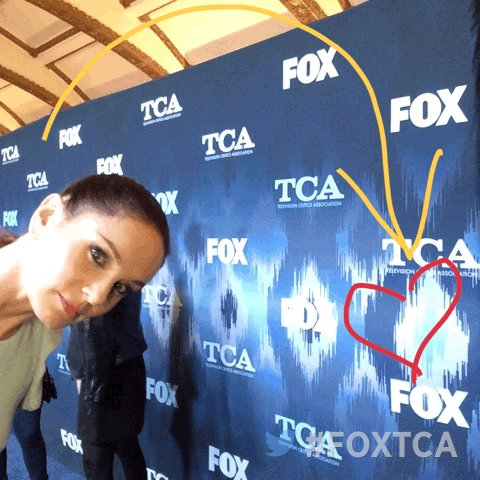On the #FOXTCA carpet with Sarah Wayne Callies! #PrisonBreak