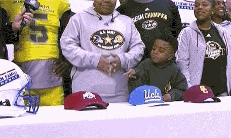 INSTANT CLASSIC REACTION GIF OH MY GOD https://t.co/AvnIwOzXMB
