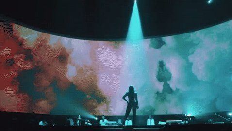 Seeing Demi live is an experience most people will never forget.  #Lovatics #BestFanArmy #iHeartAwards