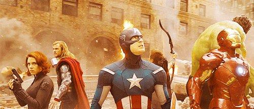 2.『アベンジャーズ』これも胸熱!アクション!!!marvelのヒーローが集まった映画です!私はホークアイが大好きなの