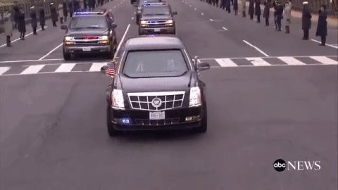 Presidential motorcade is en route to Pres.-elect Donald Trump's #inauguration https://t.co/aemExNNIyt