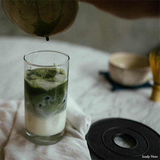 ...drinking the never ending soy matcha latte and it's goooooooooooood  *^_^* https://t.co/ULg7DGt47