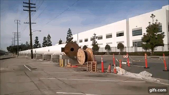 SpaceX HQ hosts Hyperloop pod race on vacuum track this weekend