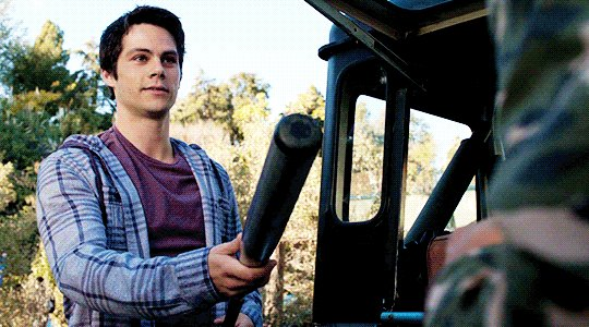 i'm literally losing my sh*t right now! stiles is passing on the coveted bat! 😭 #TeenWolf