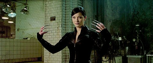 Happy birthday to the amazing Kelly Hu! ¡Feliz cumpleaños