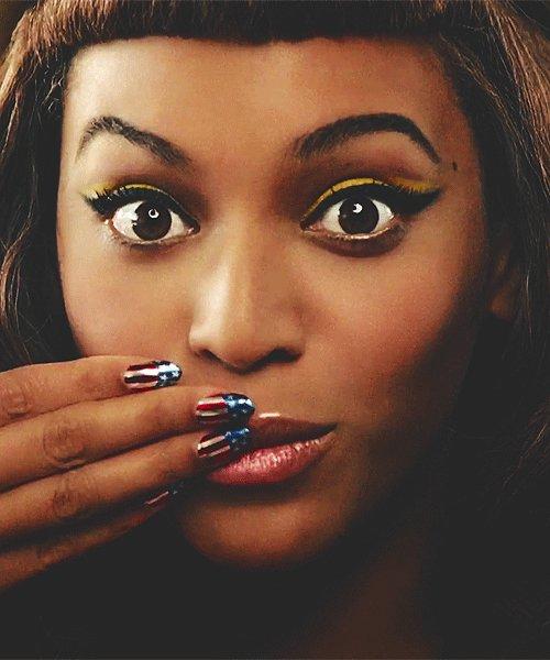 11 eyeliner hacks that make getting Beyonce-style flicks *so* easy: