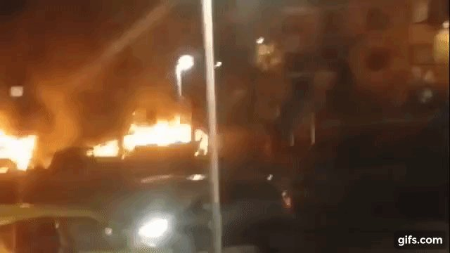 Rioters set cars on fire, loot shops in #Rinkeby, Stockholm https://t.co/Hjp6Hi9rQg