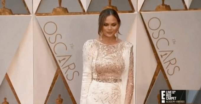 @chrissyteigen: RT @Allure_magazine: .@ChrissyTeigen ?sparkled? in a @ZMURADofficial couture gown: https://t.co/D737i7STHk #Oscars https://t.co/r7PxKLLb62