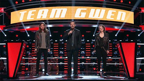 RT to congratulate @JohnnySings on winning his battle and staying on #TeamGwen! #VoiceBattles