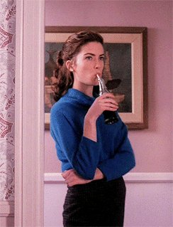 Pues yo voy a echar de menos a Donna Hayward by the way: Happy Birthday to Lara Flynn Boyle