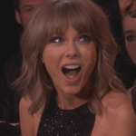 ONLY AN HOUR LEFT! This show has got us feeling like @taylorswift13! #iHeartAwards http://t.co/1awQ54tm74