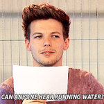 YOU CAN ALMOST HEAR LOUIS ACCENT IN THIS GIF #Directioners - One Direction #SoFantastic @radiodisney http://t.co/LDrOxdTSjU