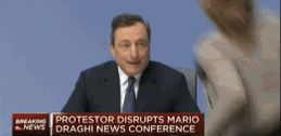 Protester rushes ECB's Mario Draghi http://t.co/8jsfkBlTxD via @CNBC http://t.co/lcNYmk3t25