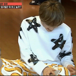"""""""@jlwxgal: [GIF] #은혁 Another way of wiping phone screen. http://t.co/qjtoKhWjYU http://t.co/ErUDPoIQ6j"""""""