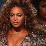 THIS IS NOT A DRILL: Beyoncé blessed the #MetGala with her presence! http://t.co/1ay4cm4wI4