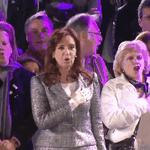 ¿Es conocida la señora que cantaba el himno con énfasis? http://t.co/oCES7EwGDd