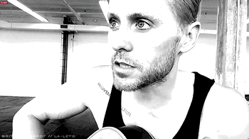 RT @AureliaApple: Do u really want me? Game is ON! 2300 tix for 1-on-1 @VyRT w/@JaredLeto Get on it! http://t.co/9p31ZP2jLC  By La-Leto htt…