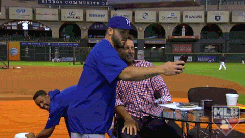 The ol' bait and switch on @KMillar15 by @Royals' @SalvadorPerez15 and @Mooose_8! #Selfie #GatoradeBath http://t.co/ym8VAbGLYW