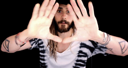 RT @30SECONDSTOMARS: LESS THAN 1 HOUR! RT if you're joining @JaredLeto for a special #CampMars VIDEO CHAT 12PM PT: http://t.co/oPusNNFAFZ h…