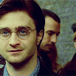 James Sirius Potter is due to start at Hogwarts today and the internet is getting emotional http://t.co/yY2lnaRBSS http://t.co/YmolKZbPNN