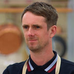 Bad news face, good news face. Bad news face, good news face. #GBBO http://t.co/Vodt0aKv4p