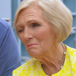 PUBLIC SERVICE ANNOUNCEMENT It is Wednesday, not Tuesday. Alert forgetful friends. Theyll thank you for it. #GBBO http://t.co/GS1SGrPVcn