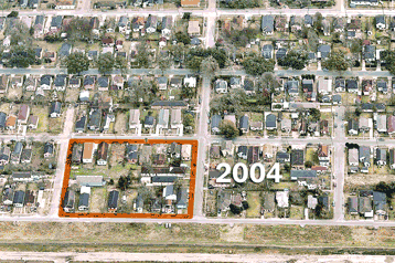 Aerial images show the slow return of the New Orleans Lower Ninth Ward http://t.co/TuXymMfN9Y http://t.co/GAMlzcND13